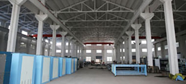 The factory covers an area of over 80 mu with a building area of 30,000 square meters.